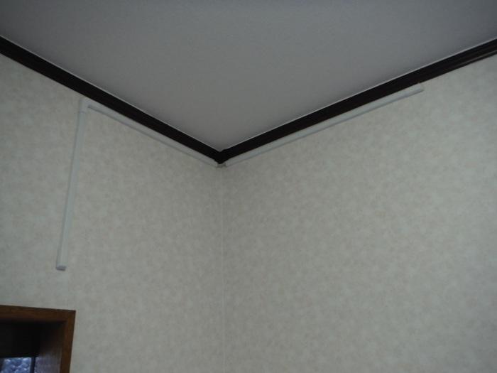 玄関の内装工事 ~ クロス工事で終了となりました。 _d0165368_04445720.jpg