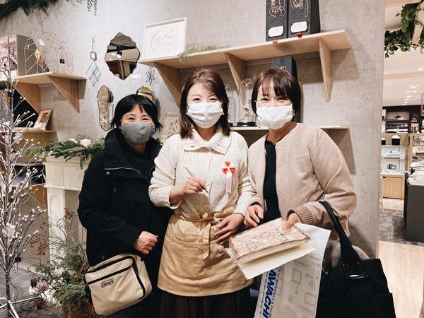 11/25 クリスマスカードワークショップ☆阪急うめだ本店_b0165872_21165157.jpg