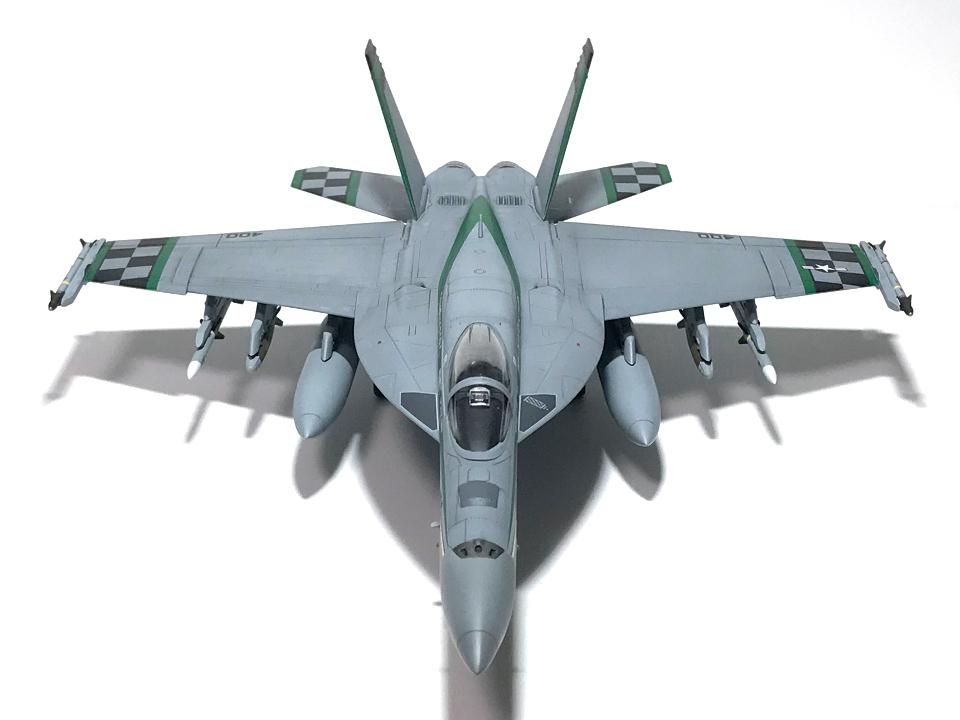 """アカデミー 1/72 F/A-18E VFA-195 \""""チッピー・ホー!\"""" 2012(完成)_b0055614_19165593.jpg"""
