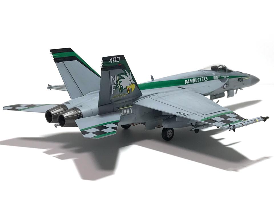 """アカデミー 1/72 F/A-18E VFA-195 \""""チッピー・ホー!\"""" 2012(完成)_b0055614_19170064.jpg"""