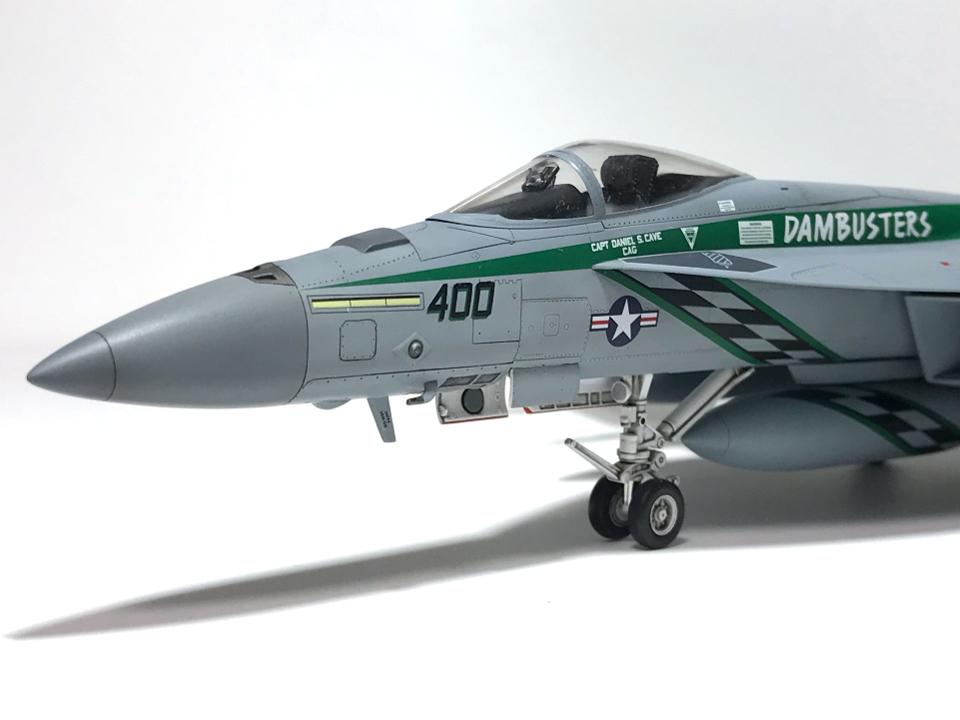 """アカデミー 1/72 F/A-18E VFA-195 \""""チッピー・ホー!\"""" 2012(完成)_b0055614_19170569.jpg"""
