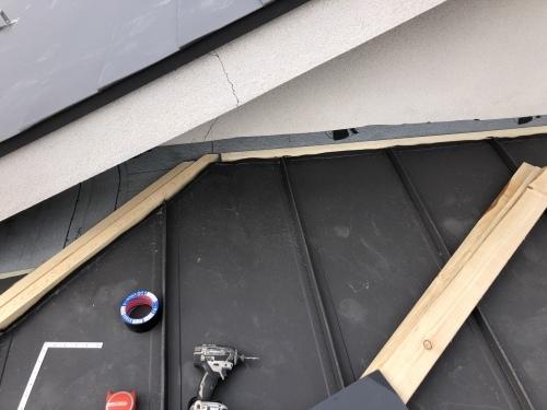 笛吹市 ブラックの屋根 其の五_b0242734_23093526.jpeg