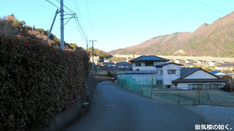 「ゆるキャン△S2」舞台探訪02 身延町で、なでしこ・恵那・千明・あおい・りんのバイト先(第1話2/3)_e0304702_07323377.jpg