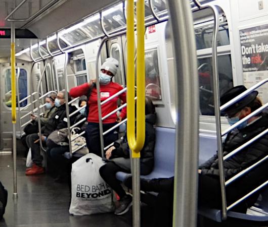 ニューヨークの地下鉄ダンサー_b0007805_00060344.jpg