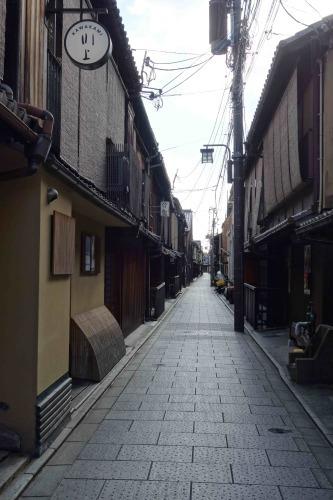 祇園にある美登英利さんの作品_a0197730_11352863.jpg