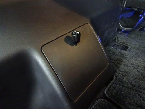 新車のデリカD5に、WORKホイール&車高調装着♪_d0177775_18214869.jpg