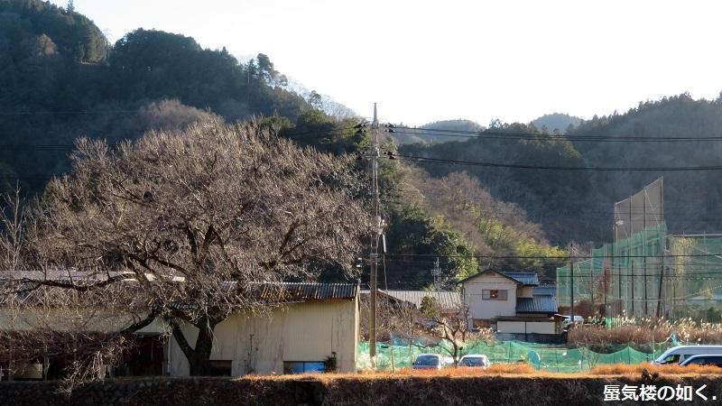 「ゆるキャン△S2」舞台探訪02 身延町で、なでしこ・恵那・千明・あおい・りんのバイト先(第1話2/3)_e0304702_11561941.jpg