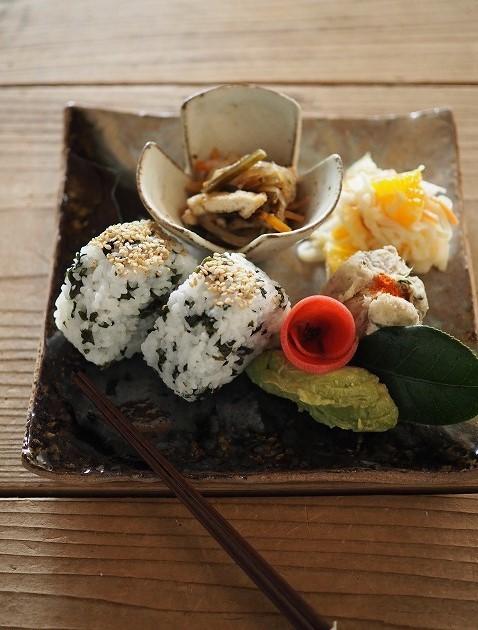オンラインショップのご案内~平岡仁さん、シモヤユミコさん、工房くさなぎさんのうつわ_b0132444_17465243.jpg