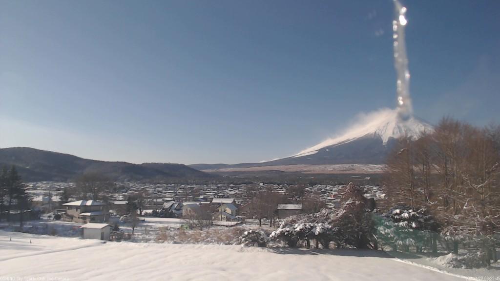 富士山ついに噴火しちゃった       ゕ?_c0392090_09123238.jpg