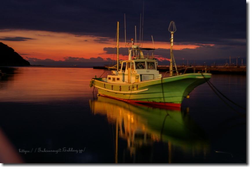 凪の漁港_f0356904_12094329.jpg