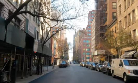 """じわじわ、じっくりニューヨークの壁画巡り、チェルシー編(4)""""I Love NY""""とOSGEMEOSの巨大壁画_b0007805_09570223.jpg"""