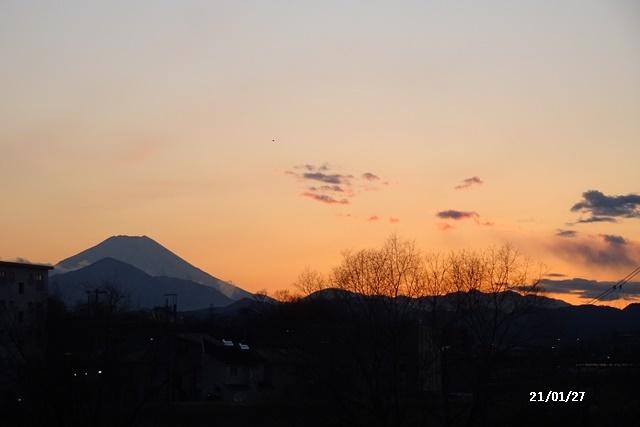 程久保川を散歩、1月の満月、雪降る_c0051105_00091452.jpg