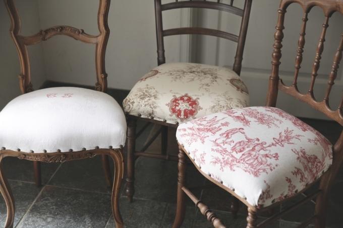 フレンチアンティーク チェア 椅子 赤座面 刺繍 トワルドジュイ ナポレオンチェア_b0179814_13051519.jpeg