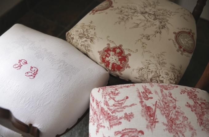 フレンチアンティーク チェア 椅子 赤座面 刺繍 トワルドジュイ ナポレオンチェア_b0179814_14255064.jpeg