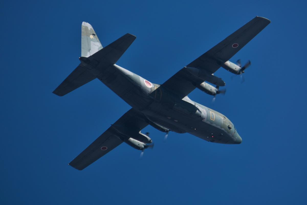 2021年の空挺降下始め本番に向けてC-130・C-1・C-2が真上を通過_d0137627_17445360.jpg