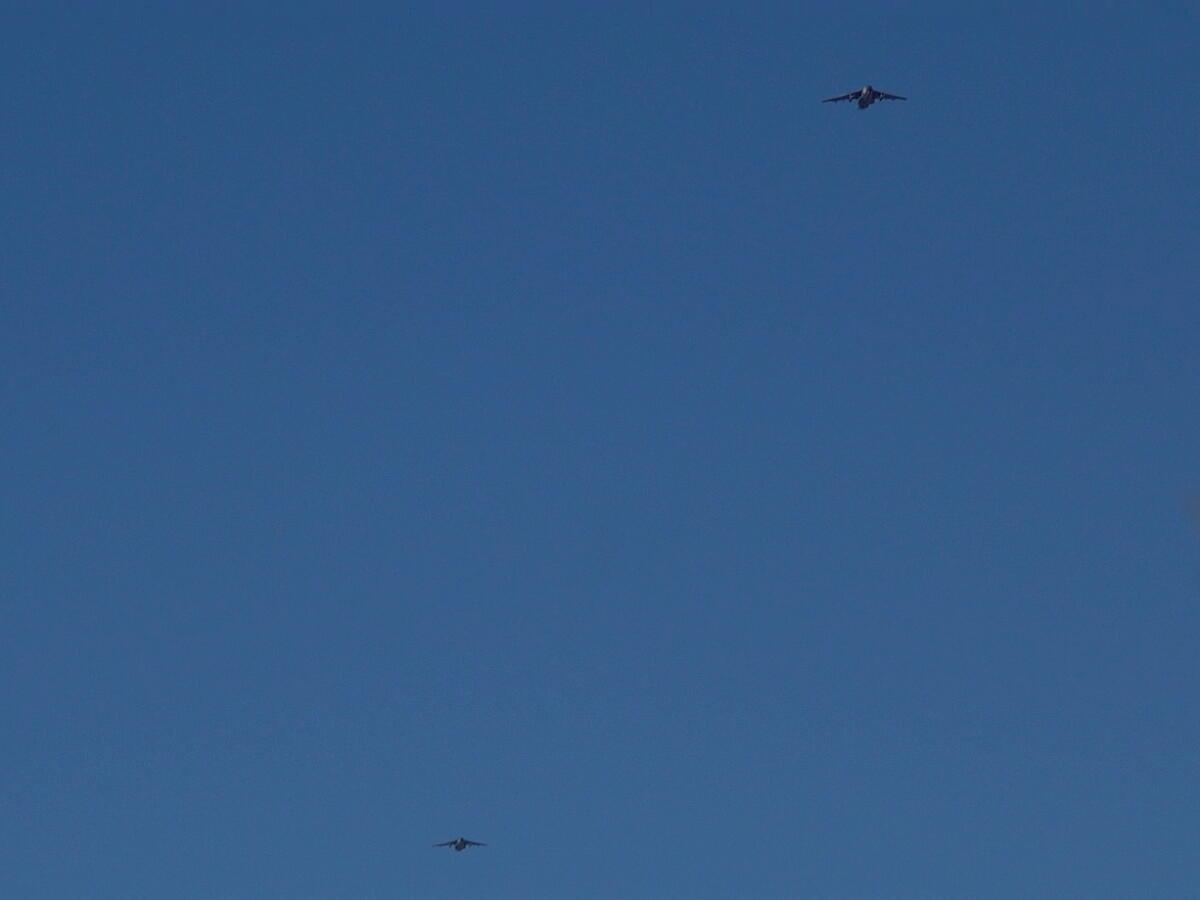 2021年の空挺降下始め本番に向けてC-130・C-1・C-2が真上を通過_d0137627_17493299.jpg