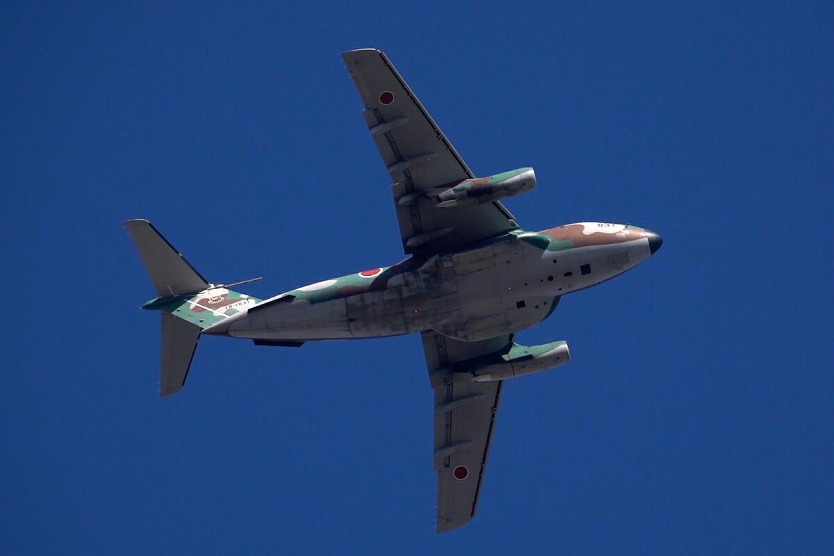 2021年の空挺降下始め本番に向けてC-130・C-1・C-2が真上を通過_d0137627_17575597.jpg