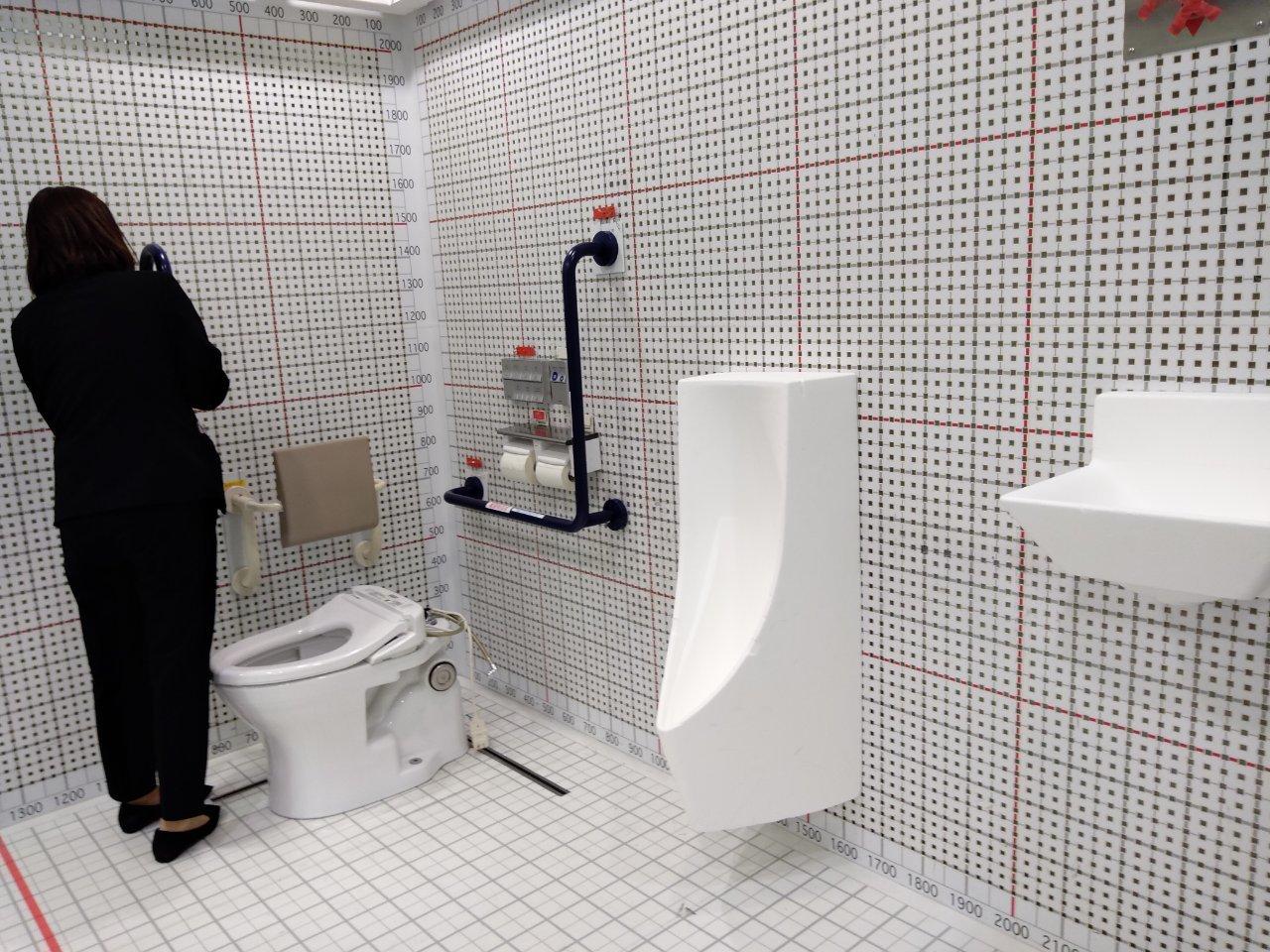 トイレを考える_a0355629_09011260.jpg