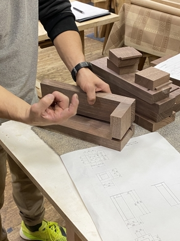 船堀の家 テーブル製作 _b0144558_20410347.jpg