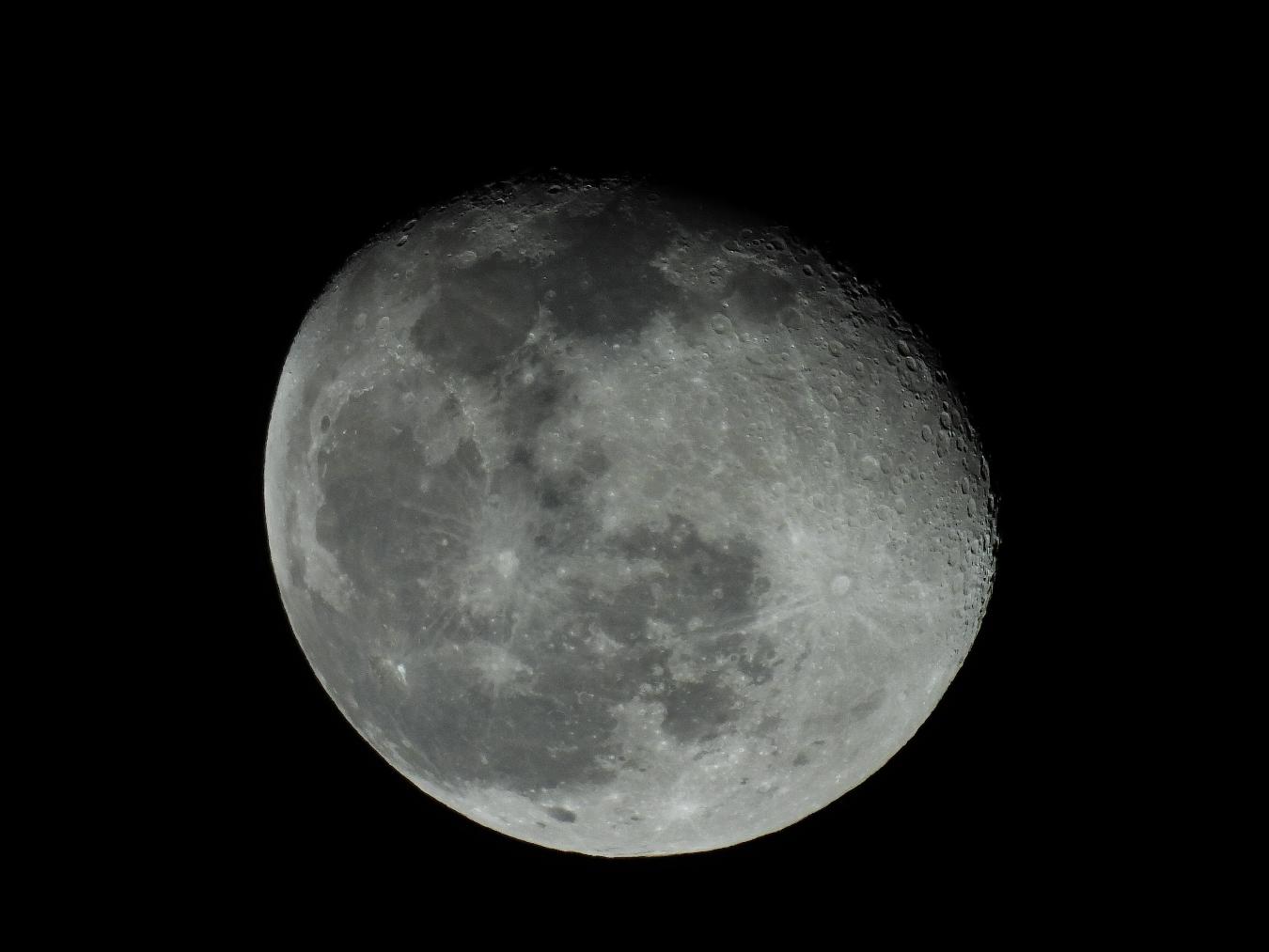 今日の月_f0178635_23242232.jpg