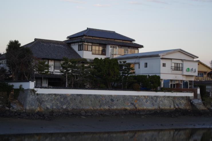 炭鉱主の別邸を譲り受けた登録文化財の宿―唐津・旅館綿屋_a0385880_16065482.jpg