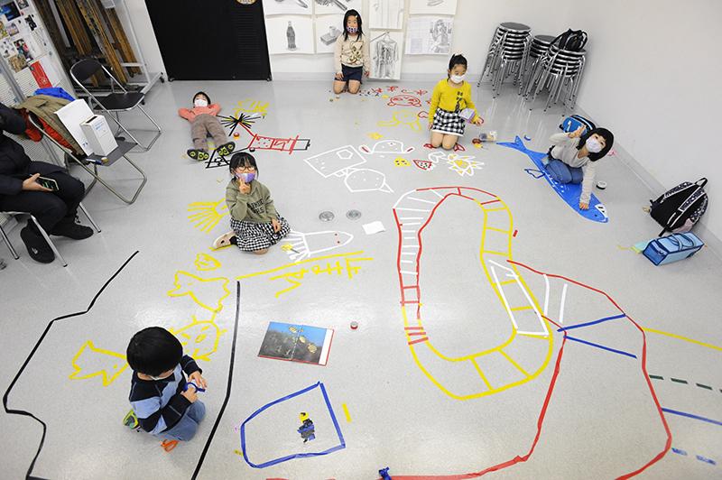 児童画クラス「テープアート」ご紹介_b0212226_21213028.jpg