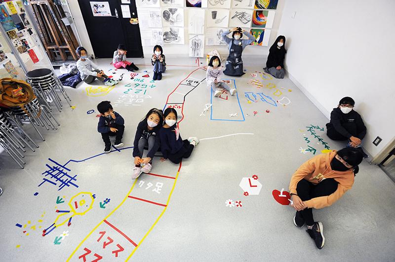 児童画クラス「テープアート」ご紹介_b0212226_21230331.jpg