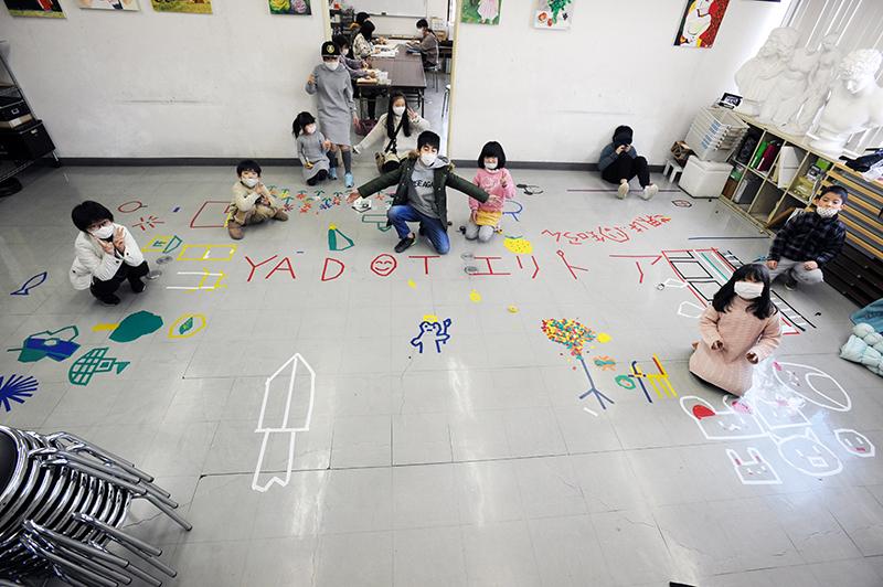 児童画クラス「テープアート」ご紹介_b0212226_21233278.jpg