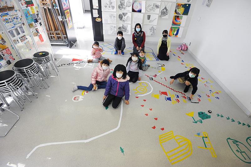 児童画クラス「テープアート」ご紹介_b0212226_21240647.jpg