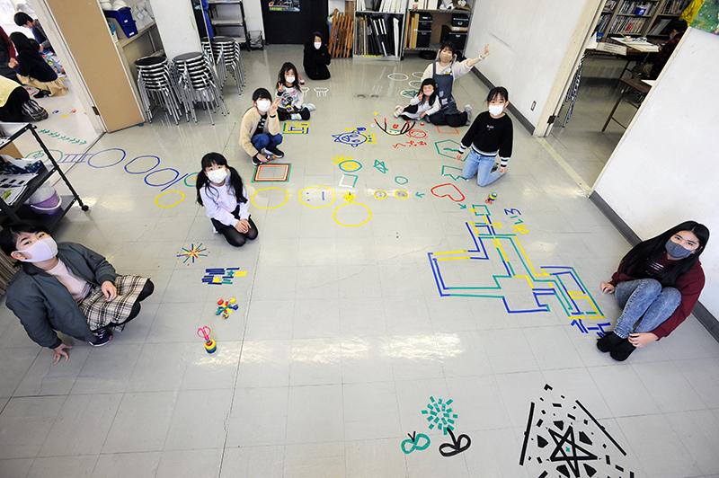 児童画クラス「テープアート」ご紹介_b0212226_21243482.jpg