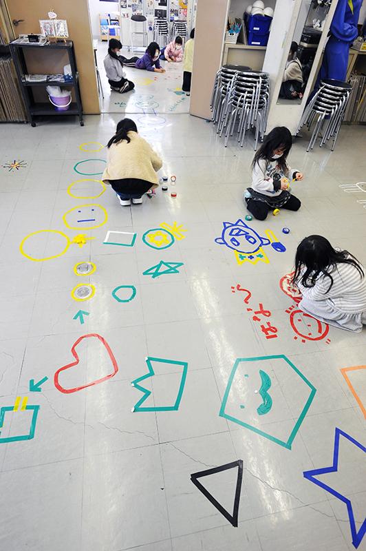 児童画クラス「テープアート」ご紹介_b0212226_21305025.jpg