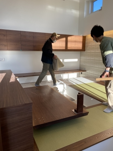 船堀の家 テーブル搬入_b0144558_20393878.jpg