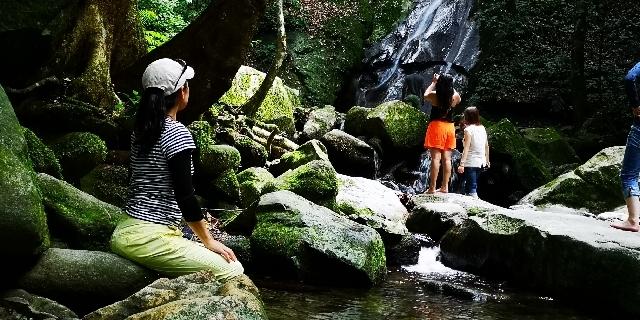 キナバル公園とポーリン温泉観光の服装_a0132757_12302942.jpg