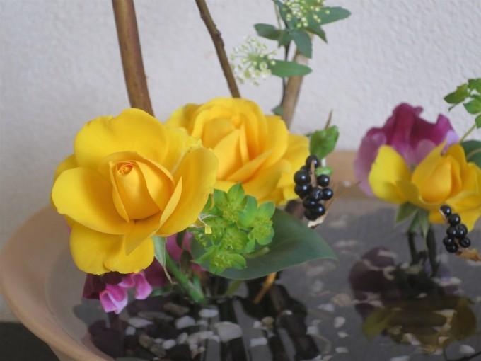 フリージア、スイトピー、額紫陽花等々春の花材_a0214206_20301791.jpg