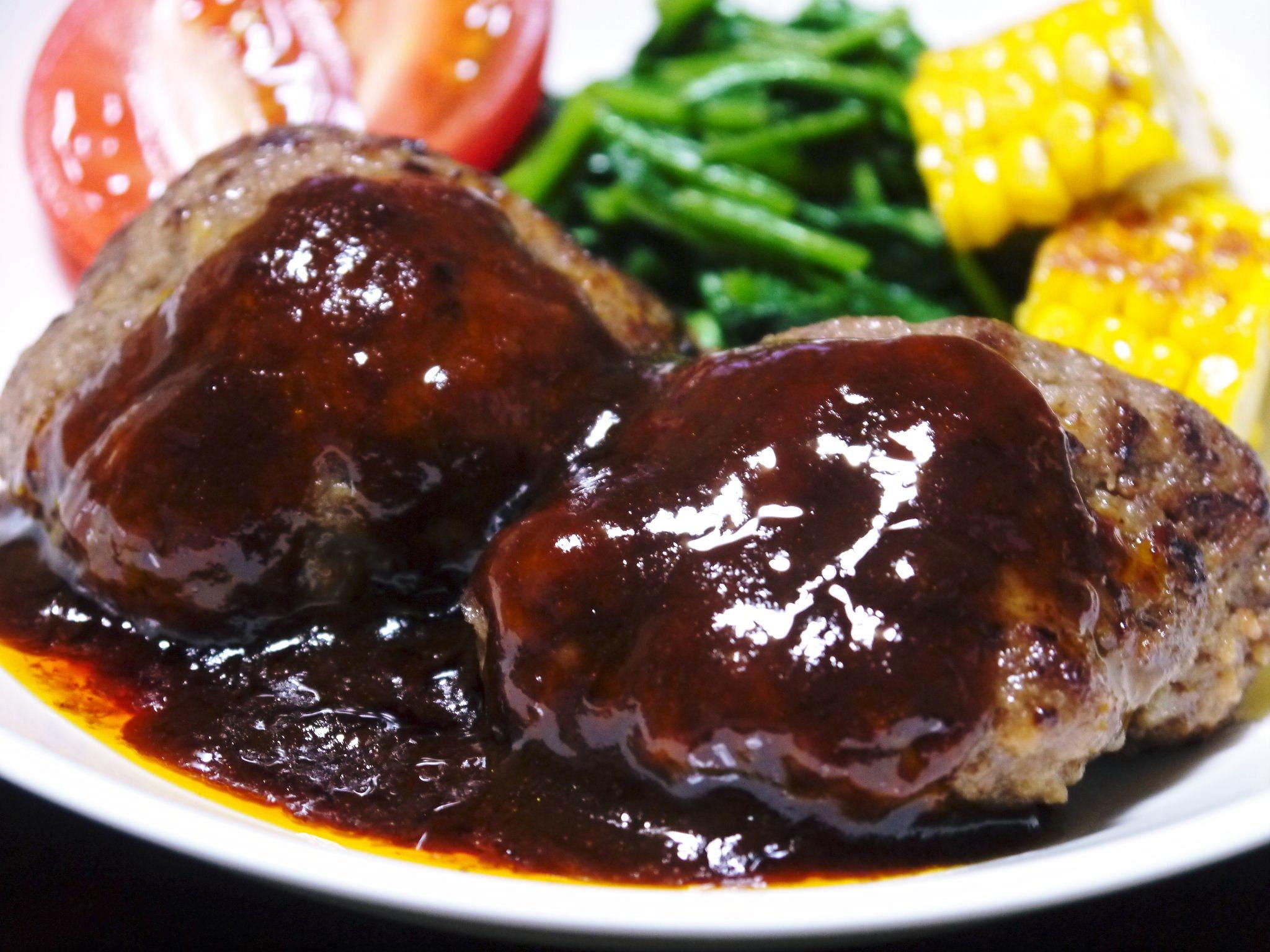 熊本県産の黒毛和牛100%のハンバーグステーキ!数量限定販売中!令和3年2月は17日(水)の出荷です! _a0254656_15045272.jpg