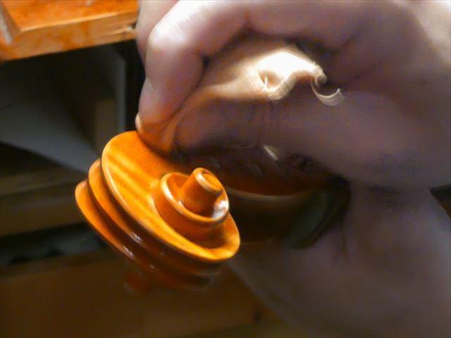 ヴァイオリンのニス、磨き作業のご紹介_d0047461_05472488.jpg
