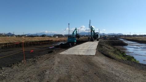 沼川新放水路工事は順調に進んでいます!_d0050503_05094497.jpg