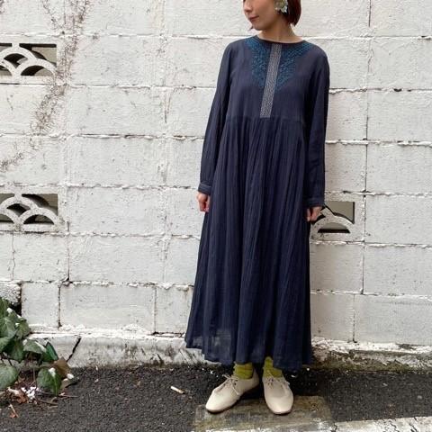〔 bulle de savon〕40crape 花の糸刺繍ワンピース_a0389054_15535389.jpg