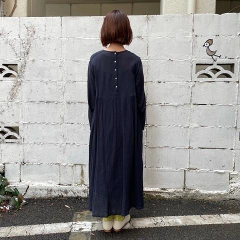 〔 bulle de savon〕40crape 花の糸刺繍ワンピース_a0389054_15541979.jpg