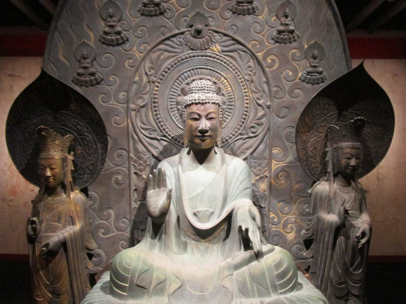 法隆寺釈迦三尊像のクローンが語る歴史_a0237545_20573995.jpg