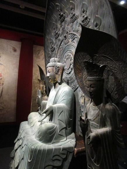 法隆寺釈迦三尊像のクローンが語る歴史_a0237545_21045594.jpg