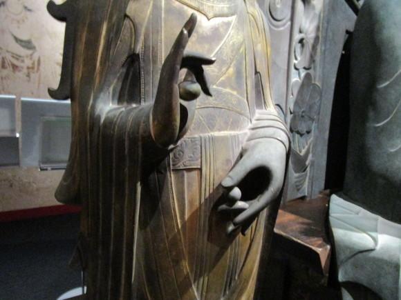 法隆寺釈迦三尊像のクローンが語る歴史_a0237545_21121489.jpg