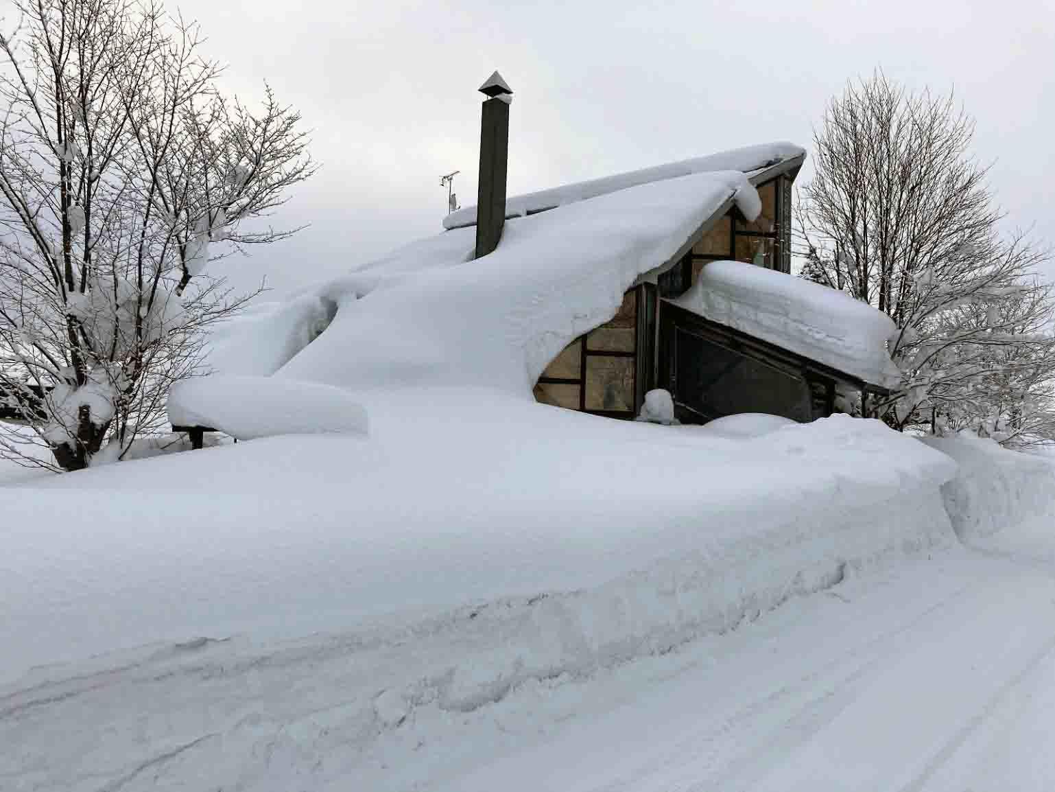 自邸の積雪状況2021/3_c0189970_09302680.jpg