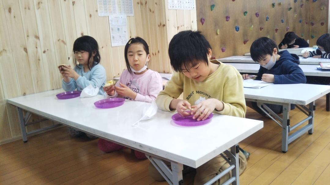 【Snack Cooking】2月10日『おいもの蒸しカップケーキづくりに挑戦!』_f0225094_19474392.jpg