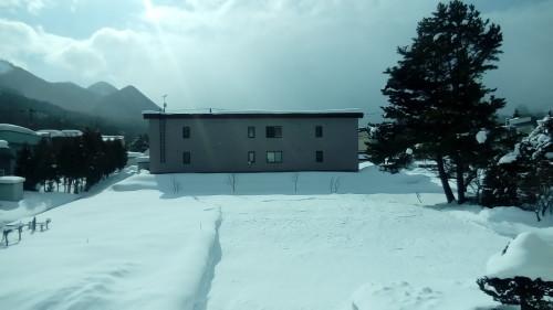 グシグシ溶けかかる雪のおしゃべり_c0220170_18193058.jpg