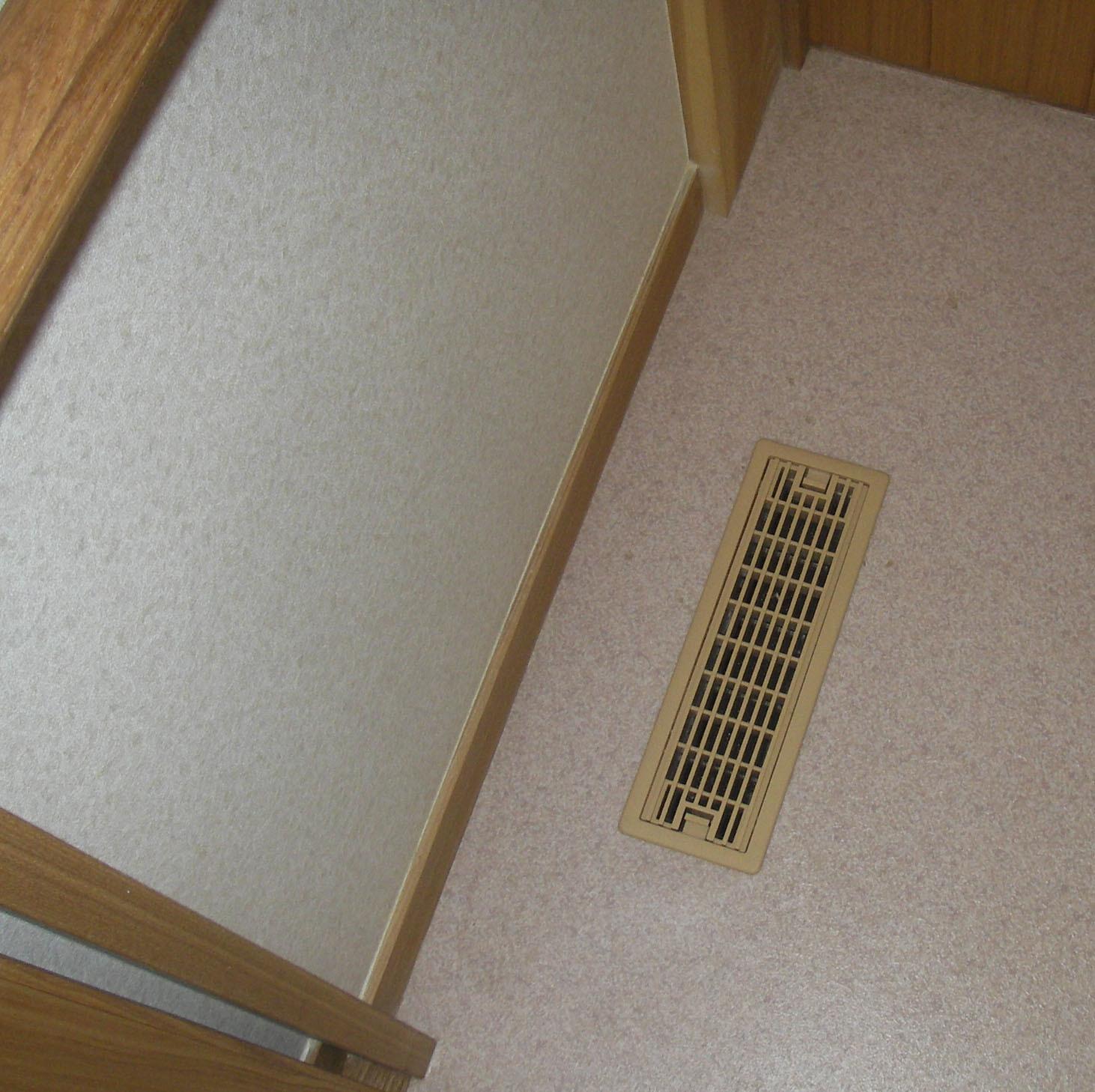 床のガラリ_a0390903_21132570.jpg