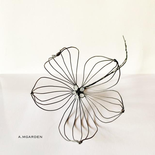 wire flower。_b0125443_19414525.jpeg