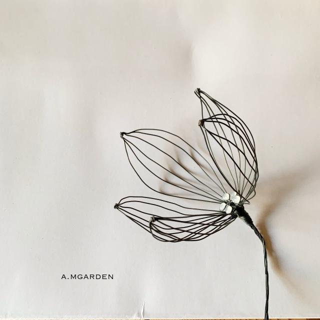 wire flower。_b0125443_19423991.jpeg