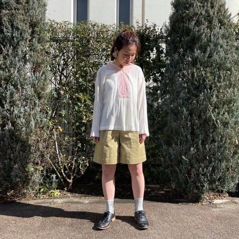 〈 bulle de savon 〉40crape 花の糸刺繍ブラウス_a0389054_17084930.jpg