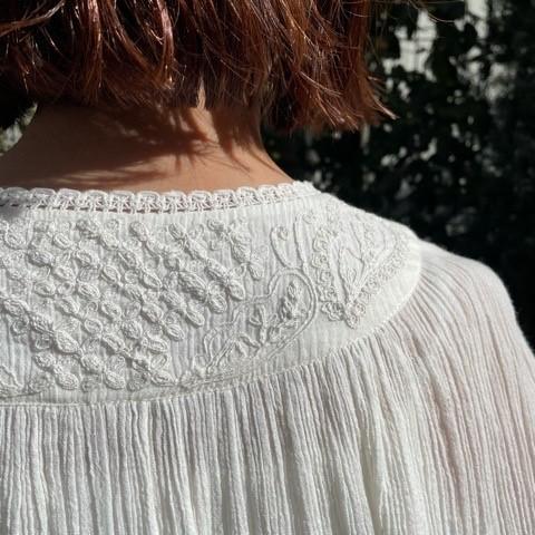 〈 bulle de savon 〉40crape 花の糸刺繍ブラウス_a0389054_17092314.jpg